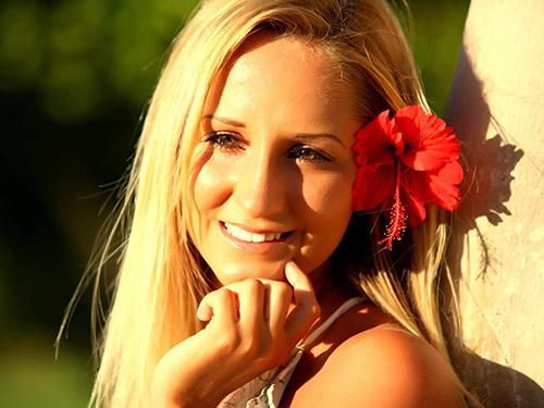 Trendfrisur blond